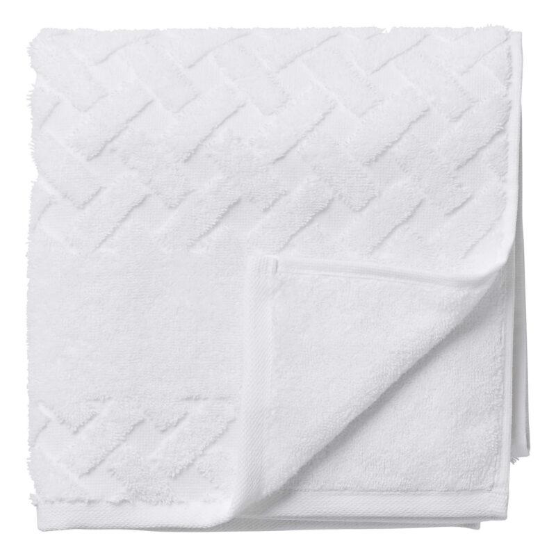 Baltos spalvos rankšluostis